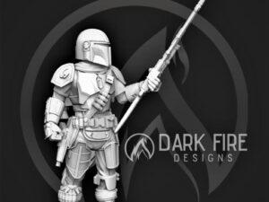 The Crusader Hero pose with Rifle.